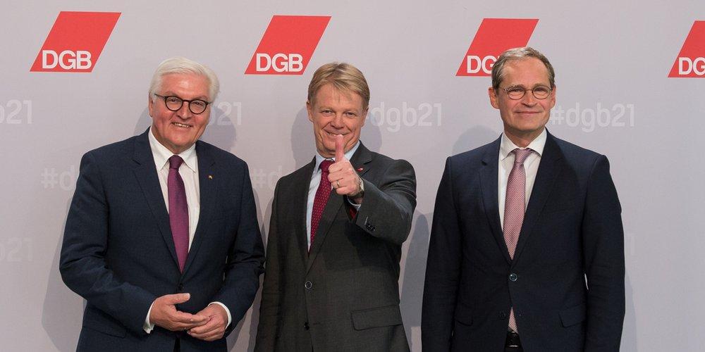 Gruppenbild mit Reiner Hoffmann, Frank-Walter Steinmeier, Michael Müller