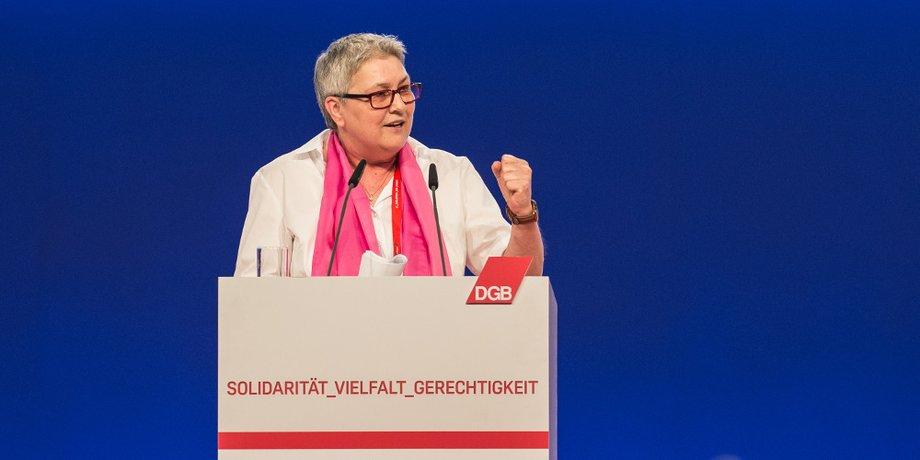 Elke Hannack am Rednerpult