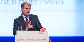 Reiner Hoffmann (DGB-Bundesvorsitzender) spricht am 13. Mai 2018 auf dem 21. Parlament der Arbeit